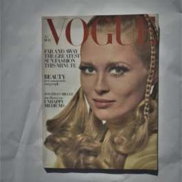 Vogue May 1968. Faye Dunaway Cover
