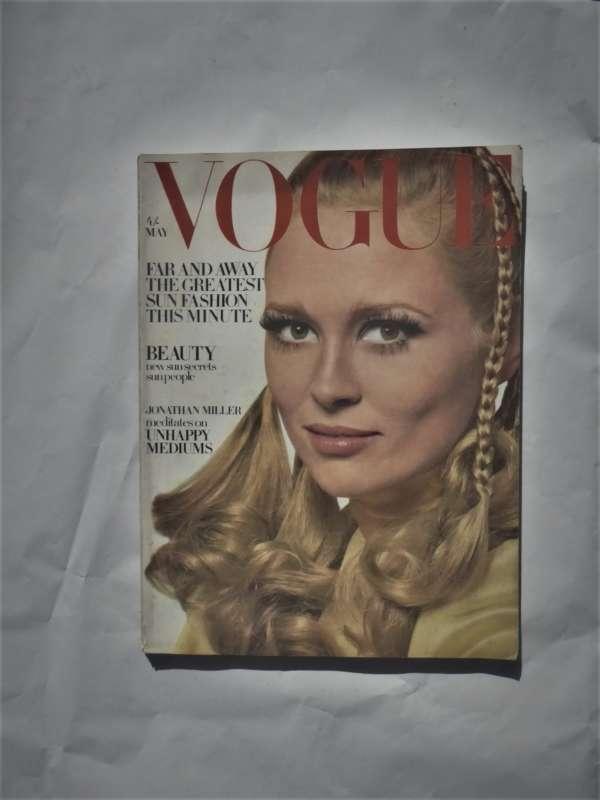 Vogue May 1968. Faye Dunaway Cover