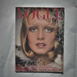 Vogue September 1st 1972. Twiggy Cover